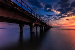 Coucher du soleil au pilier Makassar de barombong Images libres de droits