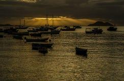 Coucher du soleil au port de Buzios photos libres de droits