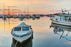 Coucher du soleil au port de la ville de Sozopol Images libres de droits