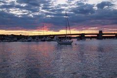 Coucher du soleil au port de Newburry Photographie stock libre de droits