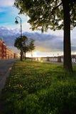 Coucher du soleil au remblai image libre de droits