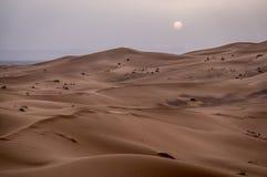 Coucher du soleil au Sahara Images libres de droits