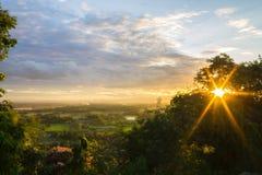 Coucher du soleil au thani d'Uthai Photo libre de droits