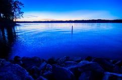 Coucher du soleil au wylie de lac Images stock