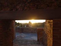 Coucher du soleil aux ruines de Pompeii images stock
