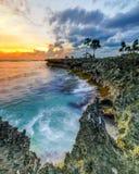 coucher du soleil aux sud Sulawesi de bulukumba de plage de lemo-lemo Photographie stock libre de droits