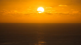 Coucher du soleil avec des nuages, Flores, Açores Photographie stock