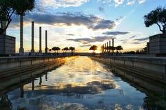 Coucher du soleil avec la réflexion de l'eau photos libres de droits