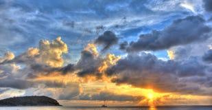 Coucher du soleil avec le yacht III Photos stock