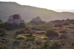 Coucher du soleil brumeux à Malte Photos stock