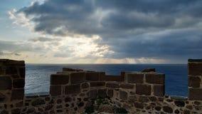 Coucher du soleil du château images libres de droits