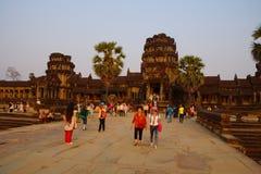 Coucher du soleil chez Angkor Vat photos stock