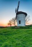 Coucher du soleil chez Ashton Windmill photographie stock libre de droits