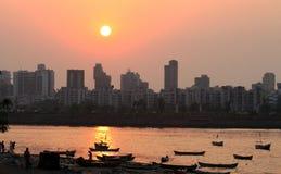 Coucher du soleil chez Bandra dans Mumbai Photographie stock