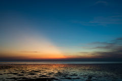 Coucher du soleil chez Bangpoo Photo stock