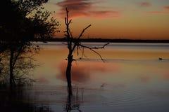 Coucher du soleil chez Cedar Hill State Park dans le Texas images stock