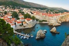Coucher du soleil chez Dubrovnik, Croatie Image libre de droits
