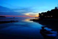 Coucher du soleil chez Koh Kood, Thaïlande Images stock