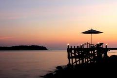 Coucher du soleil chez Koh Kood, Thaïlande Photos stock