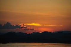 Coucher du soleil chez la Thaïlande photo libre de droits