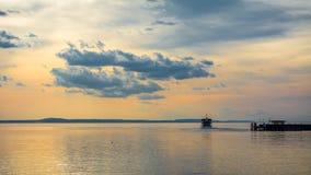 Coucher du soleil chez Langenargen dans le Lac de Constance Photos libres de droits