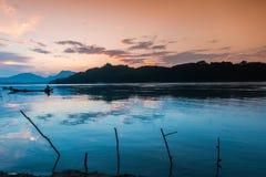 Coucher du soleil chez le Mekong, Laos Photographie stock libre de droits