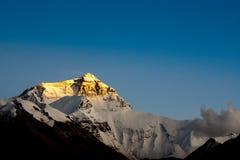 Coucher du soleil chez le mont Everest image stock