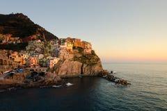 Coucher du soleil chez Manarola, Cinque Terre, Italie Photos stock