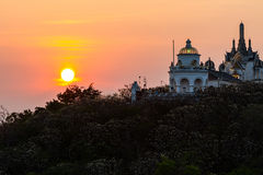 Coucher du soleil chez Phra Nakhon Khiri. Image stock