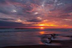 Coucher du soleil chez Playas, Equateur image stock