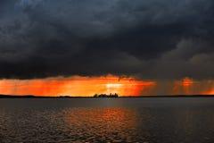 Coucher du soleil chez Steinhuder AM Meer photographie stock libre de droits