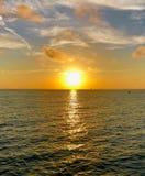 Coucher du soleil coloré de côte de Golfe Photo stock