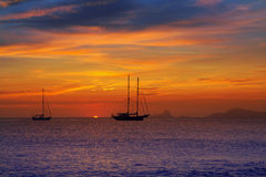 Coucher du soleil coloré de vue d'Ibiza de Formentera Photographie stock libre de droits
