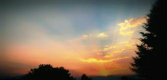 Coucher du soleil crépusculaire photo libre de droits