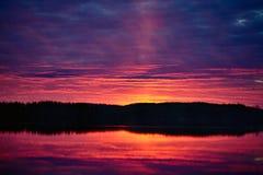 Coucher du soleil cramoisi Photo stock