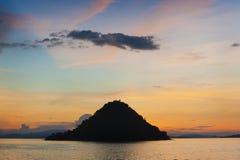 Coucher du soleil d'île de Kelor Image stock