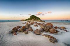 Coucher du soleil d'île de loisirs Photographie stock libre de droits