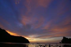 Coucher du soleil d'île de Phiphi image stock