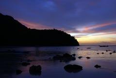 Coucher du soleil d'île de Phiphi images libres de droits