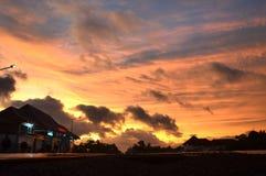 Coucher du soleil d'or photo libre de droits