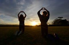 Coucher du soleil d'amour photographie stock