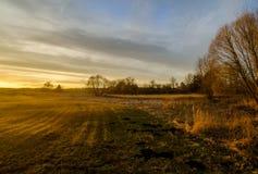 Coucher du soleil d'automne dans la campagne tchèque Photographie stock