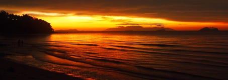 Coucher du soleil d'or de Bornean Images libres de droits