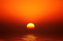 Coucher du soleil d'or de corps rond Photographie stock libre de droits