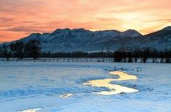 Coucher du soleil d'hiver. Photo stock