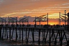 Coucher du soleil d'hiver au pilier de Redondo Beach, Los Angeles, la Californie photographie stock libre de droits