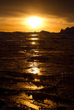 Coucher du soleil d'hiver dans les eaux de l'Antarctique Photos libres de droits