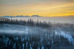 Coucher du soleil d'hiver de montagnes de Telkwa Images libres de droits