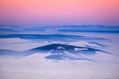 Coucher du soleil d'hiver, Roumanie Photo stock