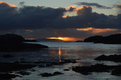 Coucher du soleil d'hiver sur les Îles Shetland Photographie stock